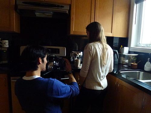 Director Maikol Pinto with Vanessa Pereira on set