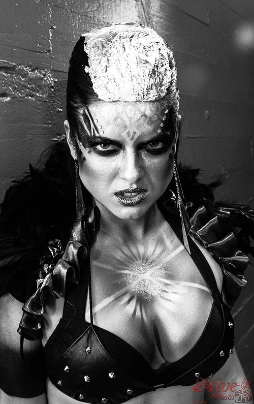 The Queen- Ana Maria